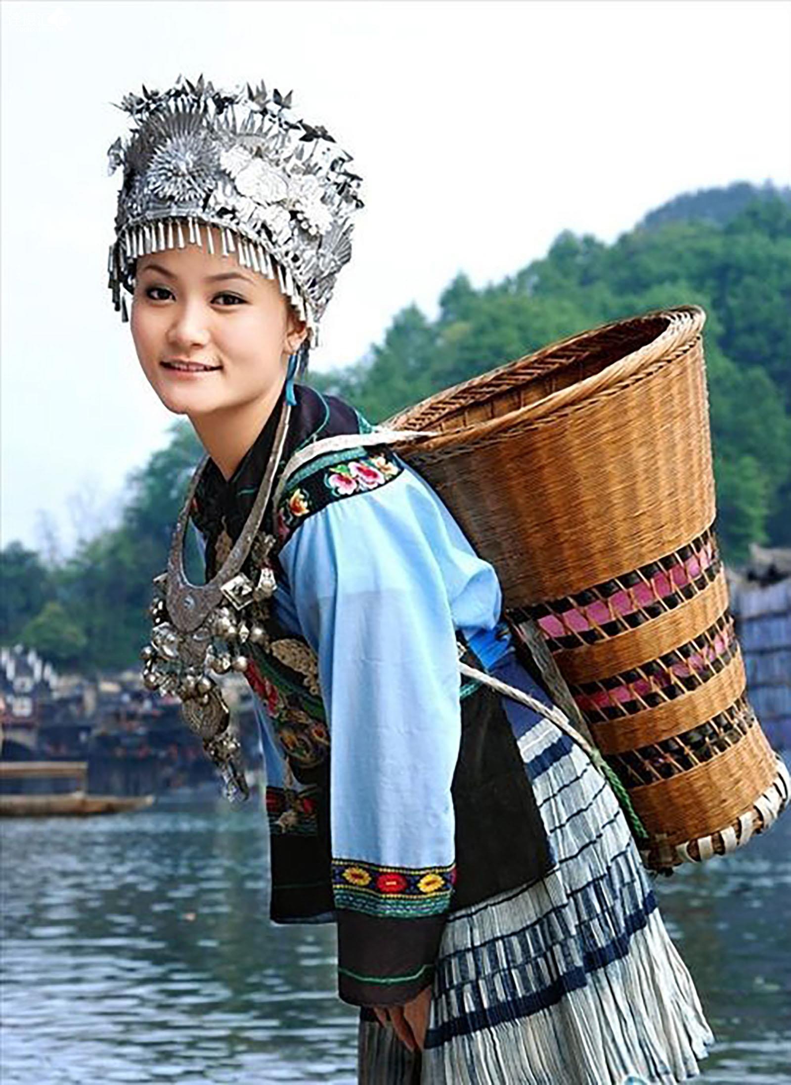 湘西苗族服饰图案