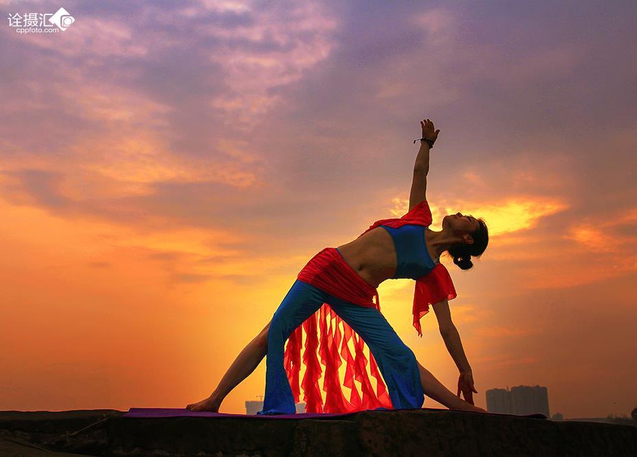 夕陽瑜伽圖片